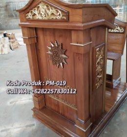 Podium Kayu Minimalis Termewah Finishing Natural